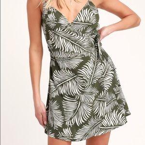 Amuse Society Dresses - REVOLVE ✨ Green Leaf Print Wrap Dress